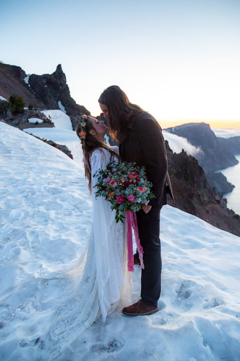 sunrise kiss at crater lake
