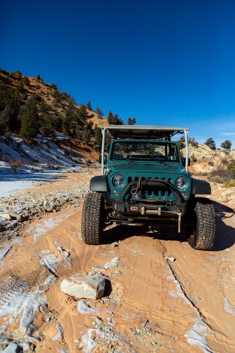Jeeping for your elopement can be a fun and new experience or something that you love to do with your partner