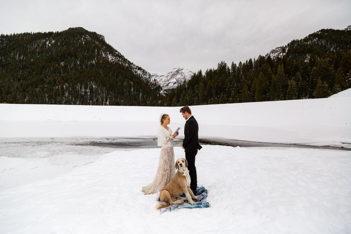 couple chooses the wasatch mountains for where to get married in utah