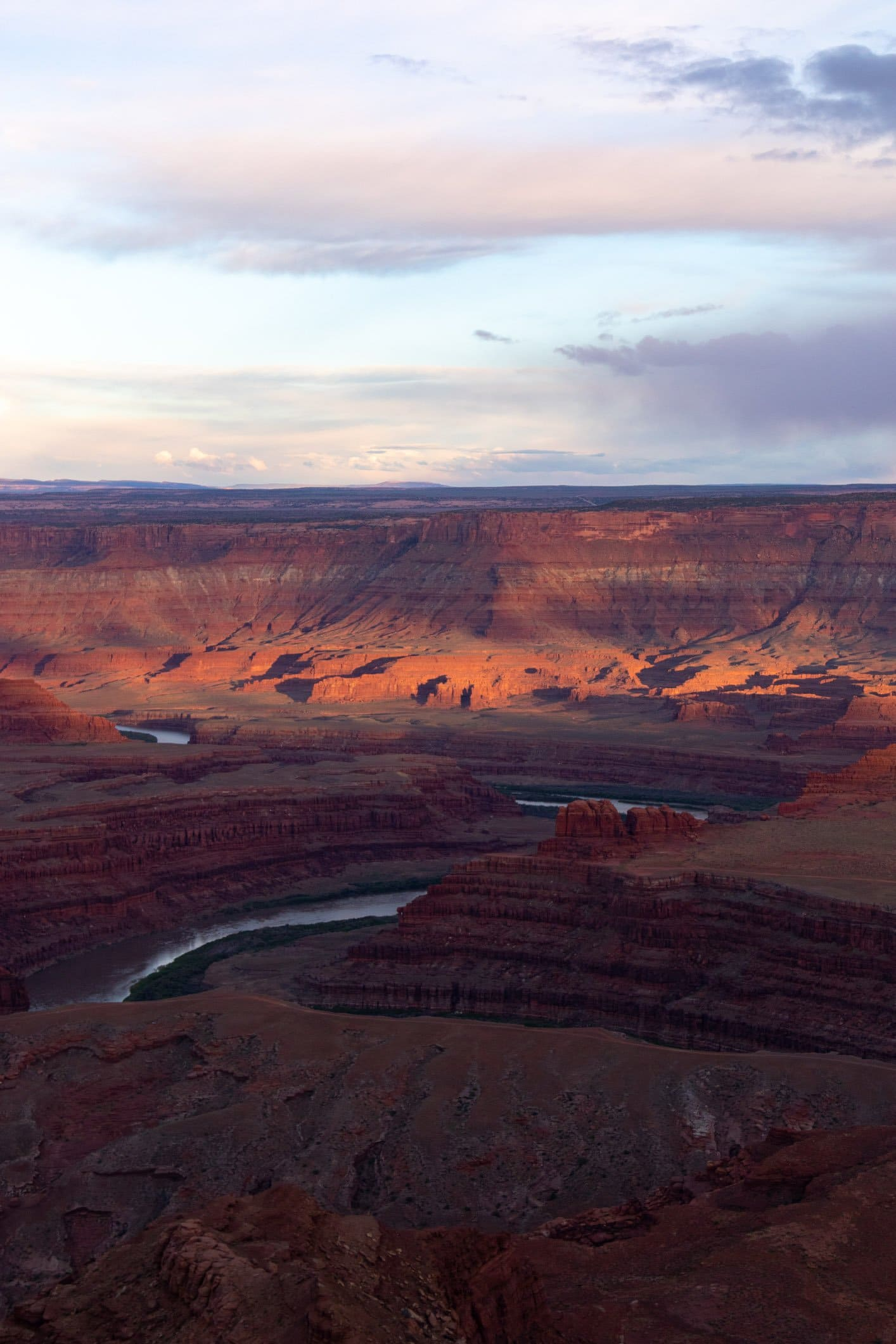 dead horse state park is where you should got to watch the sunset over utah